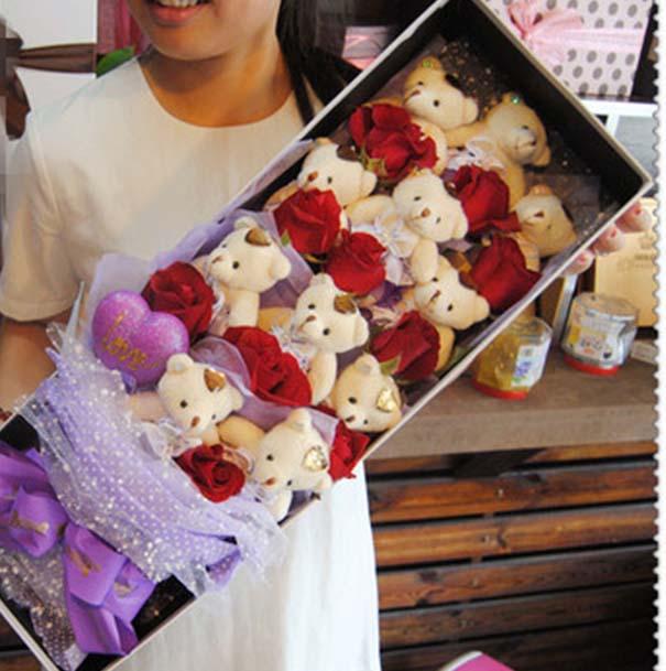 中国大陆10只红玫瑰,11只小熊,淡紫色雪点纱包装,紫色缎带打结,长形礼盒速递:送10只红玫瑰,11只小熊,淡紫色雪点纱包装,紫色缎带打结,长形礼盒到中国大陆,中国大陆网上订购10只红玫瑰,11只小熊,淡紫色雪点纱包装,紫色缎带打结,长形礼盒,中国大陆10只红玫瑰,11只小熊,淡紫色雪点纱包装,紫色缎带打结,长形礼盒店,中国大陆10只红玫瑰,11只小熊,淡紫色雪点纱包装,紫色缎带打结,长形礼盒网